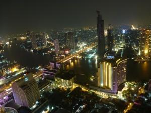 Uhrzeit Bangkok bei Nacht