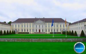 Uhrzeit Berlin im Schloss Bellvue