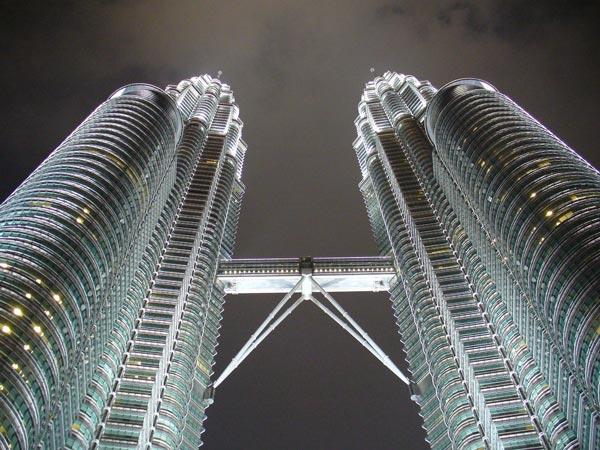Uhrzeit Malaysia an den Petronas Towers