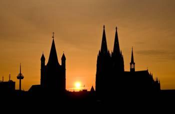 aktuelle Uhrzeit Köln