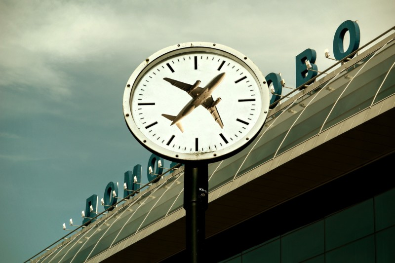 Uhrzeit Flughafen