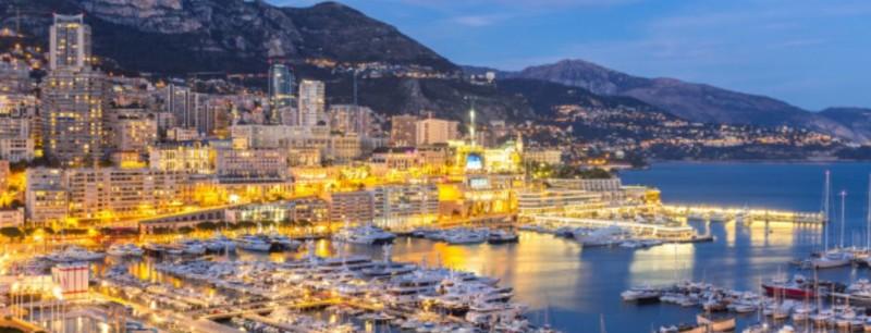 Gute Zeit in Monaco bei Nacht
